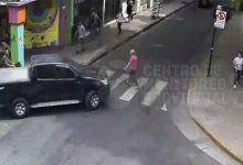 Photo of Rosario: mujer atropellada por una camioneta en el centro