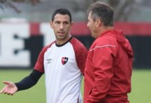 "Photo of Kudelka: ""Maxi Rodríguez es un emblema para Newell's"""