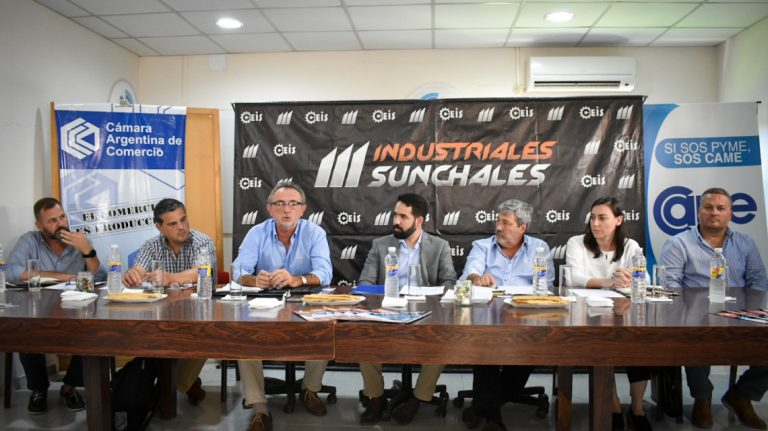 Photo of Encuentro de Costamagna con referentes industriales de Rafaela y la región