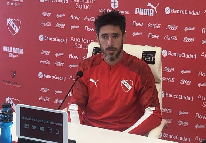 "Photo of Pablo Pérez: ""Hablé con Newell's pero decidí quedarme acá"""