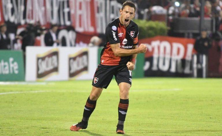 Photo of Newell's goleó a Colón en Rosario