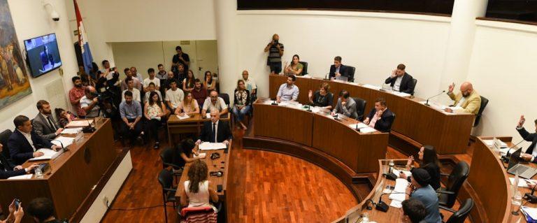 Photo of Con aumentos en el DreI y la TGI, el Concejo aprobó el presupuesto 2020