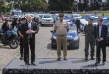Photo of El Gobernador encabezó la entrega de móviles para fuerzas federales