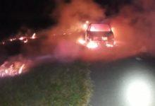 Photo of Un auto se incendió en la autopista Rosario-Santa Fe durante la madrugada