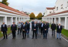 Photo of Renegociación de la deuda: el Presidente recibió un fuerte respaldo de empresarios y trabajadores