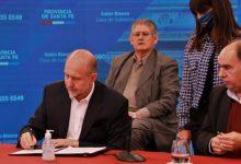 Photo of La Provincia firmó convenio con el Inaes para asistir a empresas