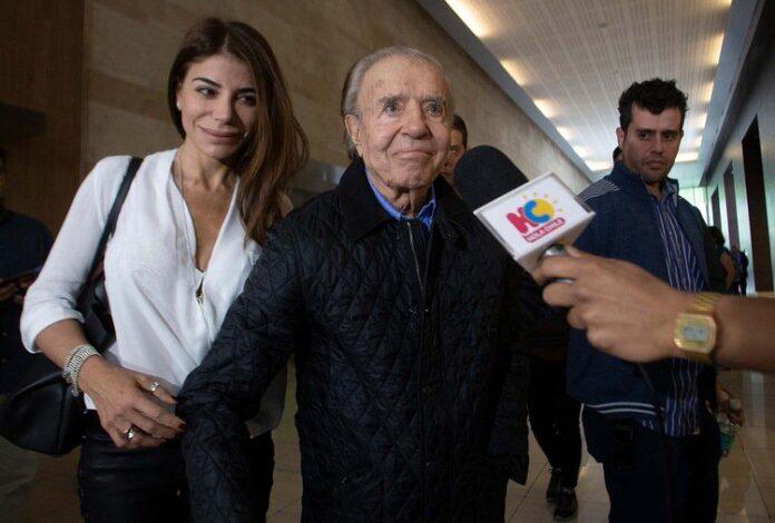 Photo of Carlos Menem se realizó un hisopado por COVID-19