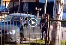 Photo of Desesperante: le robaron el auto y quedó su hijo adentro