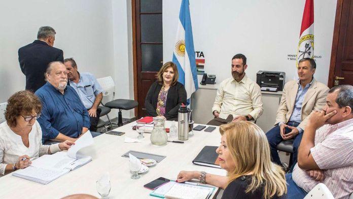 Photo of Los puntos principales del acuerdo entre Gobierno y gremios docentes