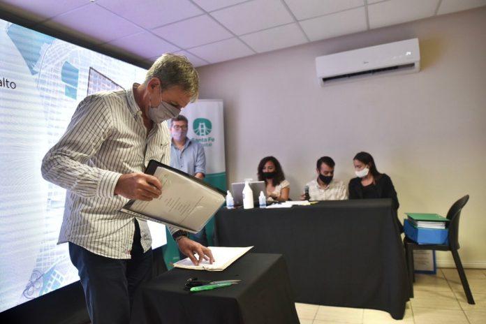 Photo of Jatón presentó un plan de bacheo para distintos barrios de la ciudad