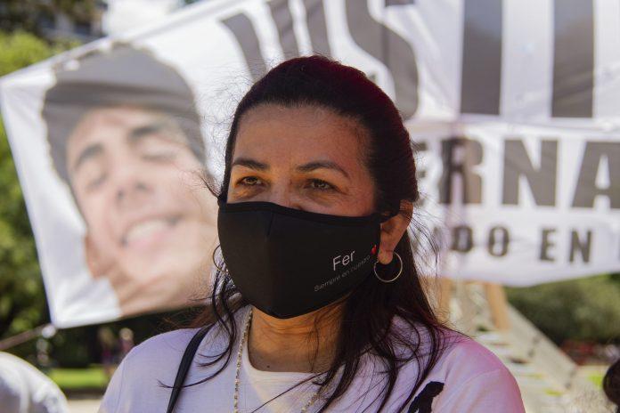 """Photo of """"Siento que Fernando está acá"""", dijo Graciela durante la colecta solidaria en homenaje a su hijo"""