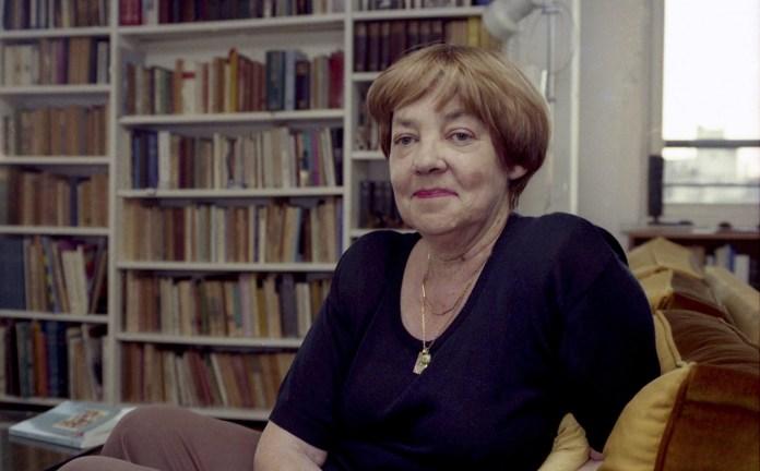 Photo of María Elena Walsh: una poética lúcida que sigue resonando a diez años de su muerte