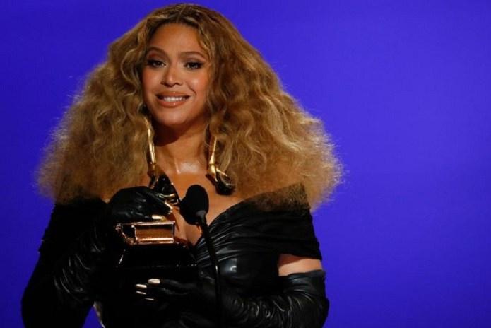 Photo of Beyoncé hizo historia en los Grammys 2021