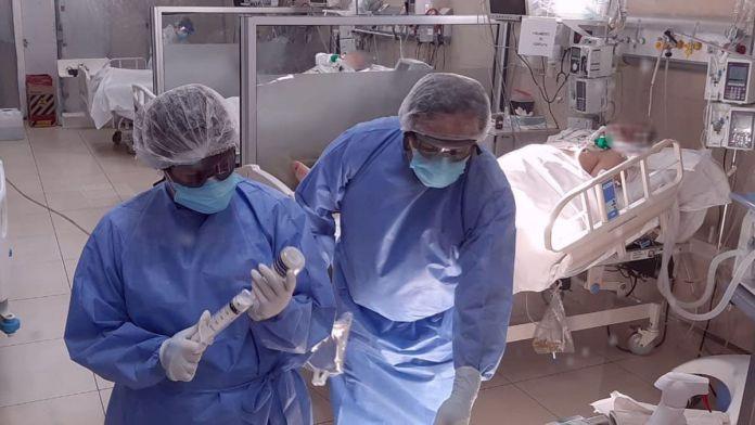 Photo of Crearon grupos de asistencia mental para enfermeros de pacientes con COVID