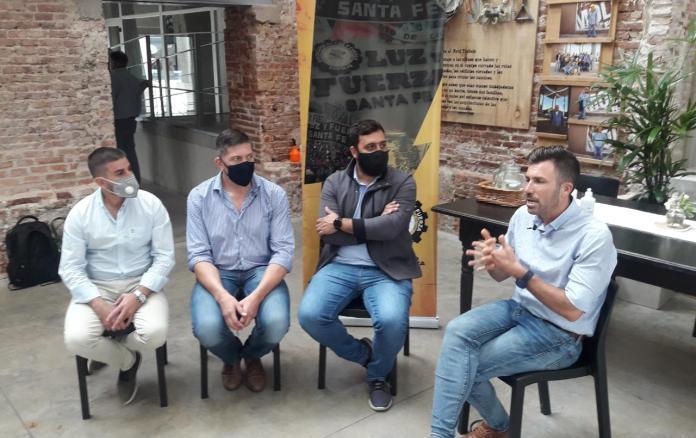 """Photo of Relanzaron en Santa Fe el proyecto cultural """"Lecto Bus"""""""