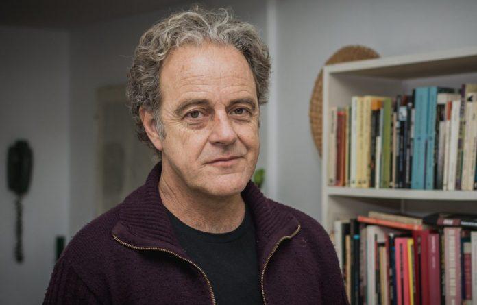 Photo of A los 61 años murió el escritor y editor Juan Forn