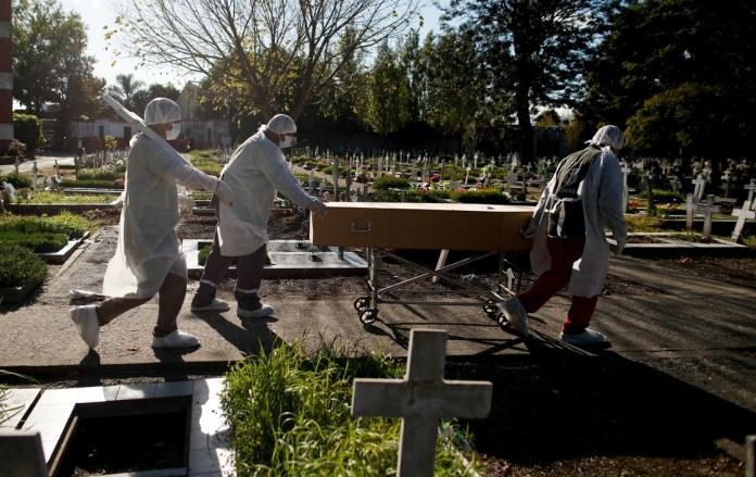 Photo of Argentina superó los 100 mil muertos por COVID-19