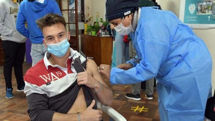 """Photo of """"Que los jóvenes se inscriban para vacunarse"""", el urgente pedido del Gobierno"""
