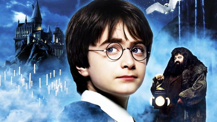 """Photo of """"Harry Potter y la piedra filosofal"""" vuelve al cine para festejar sus dos décadas"""