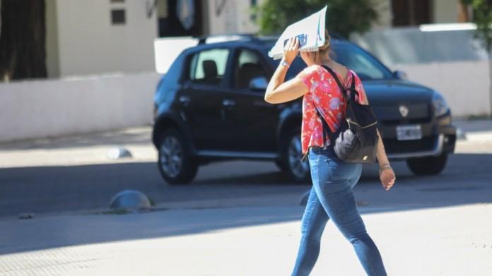 Photo of Solicitan extremar cuidados por la ola de calor
