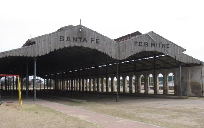 Photo of Qué sucederá con las familias sobre las vías ante la posibilidad del tren Santa Fe – Santo Tomé