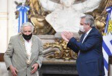 """Photo of """"Argentinos, quiéranse un poco más"""", dijo """"Pepe"""" Mujica tras ser condecorado por Alberto Fernández"""