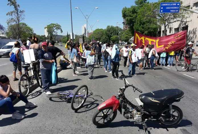 Photo of Caótico corte de tránsito y protesta en Avenida 27 de Febrero